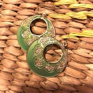 Jewelry - Round Gold/mint Earrings! Fashion jewelry! 😍